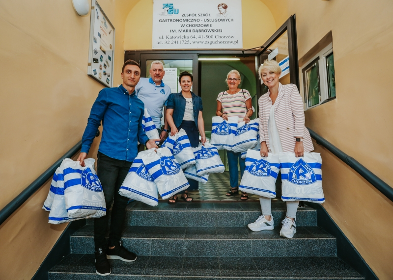 Ruch obdarował szkołę w Chorzowie